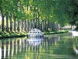 Férias de barco no Canal du Nivernais, no centro da França