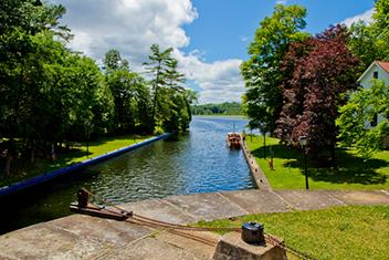 Férias de Barco em Canadá no Canal Rideau